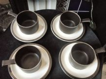 4 X CUPS & SAUCERS DOVERSTONE HEATHER BROWN & CREAM RETRO DESIGN LUG HANDLES